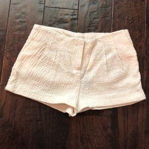 NWT H&M textured cream shorts